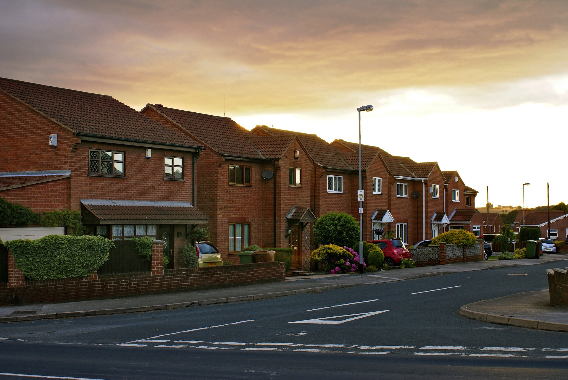 image of houses on a street